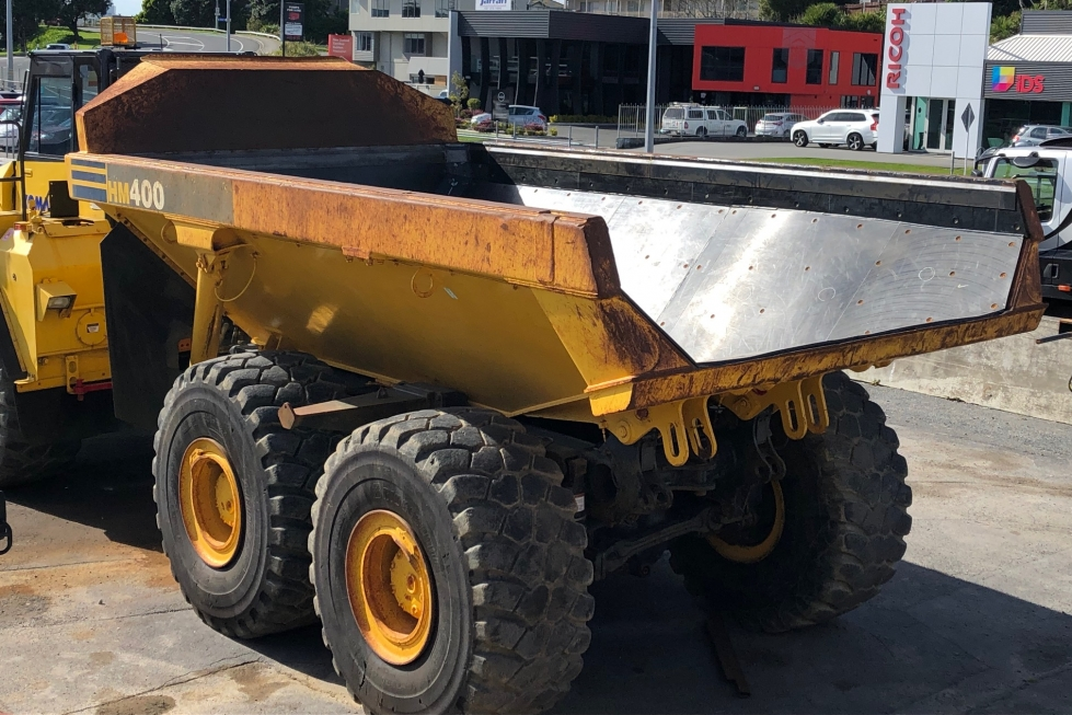 Slippery deck uhmwpe liner fitted to a large dump truck by Inovit Ltd
